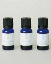 神聖な豊穣の香り漂う3種の香りが楽しめるギフトセット  SHINSHIN AROMA OIL ― Three scents in one boxアロマオイル3本セット (10mL×3種)○0-004