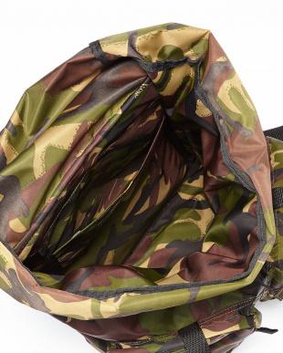 カモ Nylon Backpackを見る