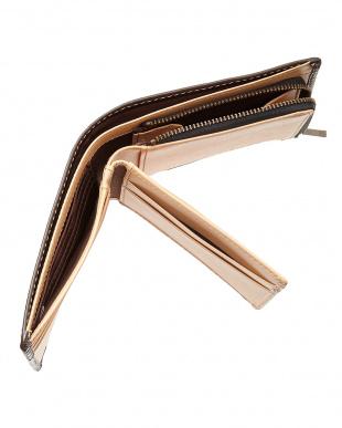 ダークブラウン キップレザーをフルタンニンで鞣した上質な二つ折り財布を見る