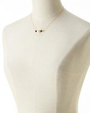ホワイト&ブラック K14GF 貝パール×オニキスネックレスを見る