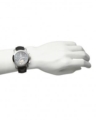 ブラック/ブラック 機械式腕時計(手巻きのみ)044|MENを見る
