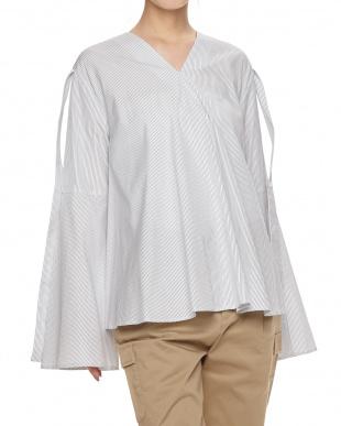 SAX ベルスリーブVフレアシャツを見る
