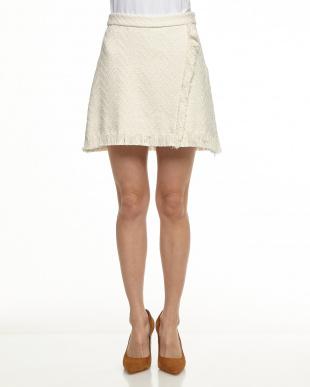 オフホワイト ジグザグ柄ラップ風スカートを見る