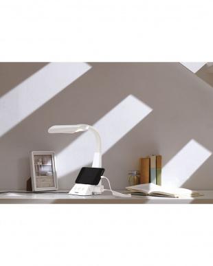 ホワイト コンセント&スマホスタンド付LEDデスクライト REFLECTECH CONNECTを見る