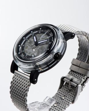 ブラック 自動巻腕時計を見る