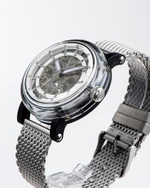ホワイト 自動巻腕時計を見る