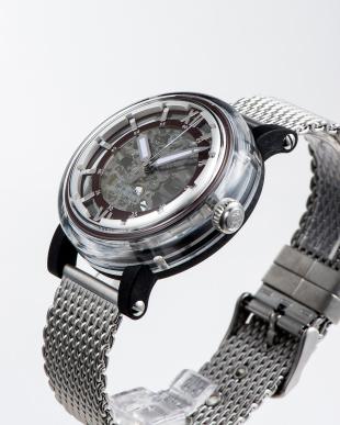 ブラウン 自動巻腕時計を見る