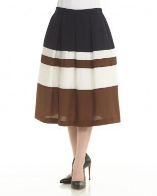 NAV E/ワイドマルチBDスカートを見る