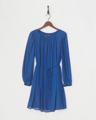 BLUE DRESSを見る