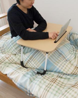 ブラウン スマホ・タブレット使用折りたたみテーブルを見る