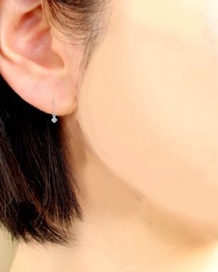 Pt900 天然ダイヤモンド 計0.1ct 耳元でエレガントに揺れる プラチナフックピアスを見る