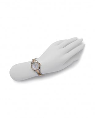 ゴールド/ホワイト 腕時計を見る