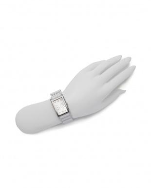 ホワイト/シルバー 腕時計を見る