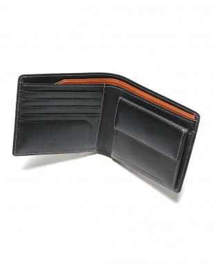 ブラック エンボスレザー 二つ折り財布を見る