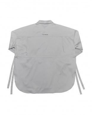 アイスグレー BIG SILHOUETTE SIDE RIBBON SHIRTビッグシルエット サイドリボン 長袖シャツを見る