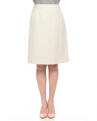 ベージュ ツイードスカートを見る