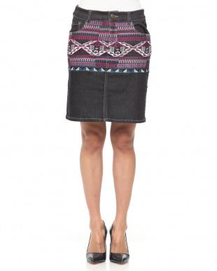 98/無彩色I(ブラック) 刺繍デニムスカートを見る