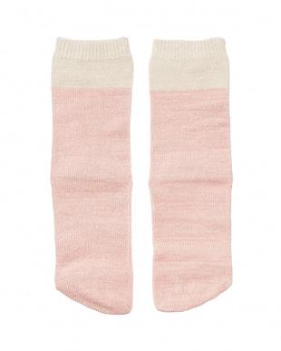 ピンク 肌側シルクのこっそり5本指ソックスを見る