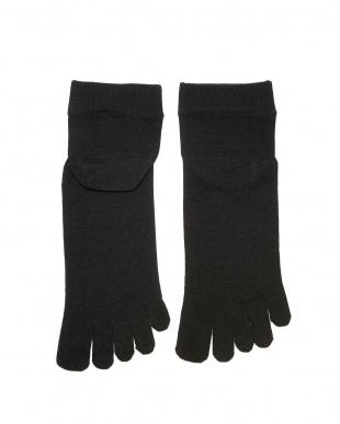 ブラック 重ね履きに最適!シルク薄手の5本指インナーソックスLサイズ2足セットを見る