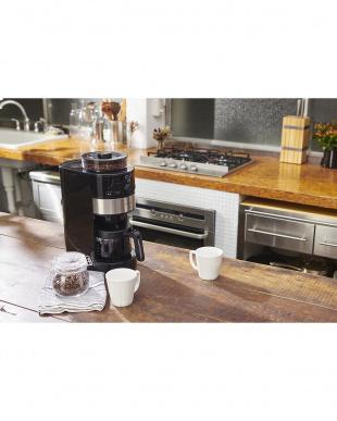 シルバー <箱破損>コーン式全自動コーヒーメーカーを見る
