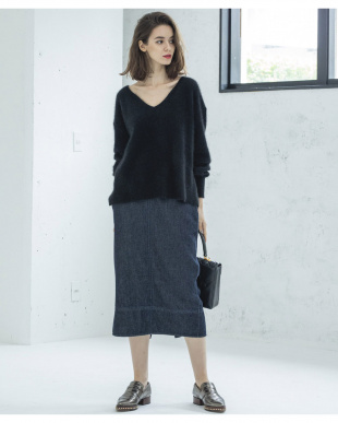 ブラック FOX KNIT V NECK FLARE POを見る