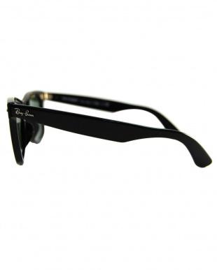 ブラック WAYFARERサングラスを見る