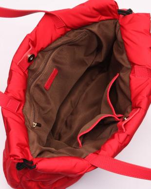 RED 手提げバッグを見る