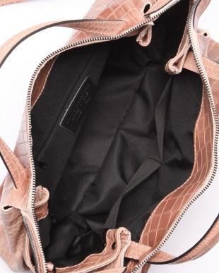 ピンク バッグを見る