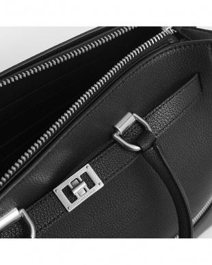 Black ラージ2ウェイジップストラクチャードトートバッグ/Large Two-Way Zip Structured Tote Bagを見る