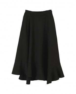 ブラック ランダムフリルヘムボリュームスカートを見る