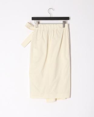 オフホワイト シルブレス スカートを見る