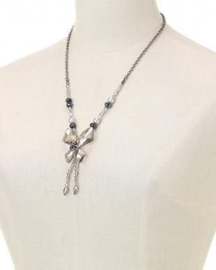 クロ クリスタル蝶ネックレスを見る