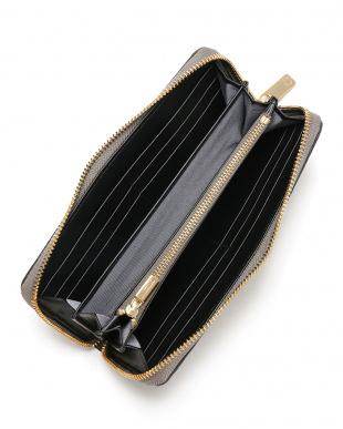 グレー クロコダイル ラウンドジップ 長財布を見る