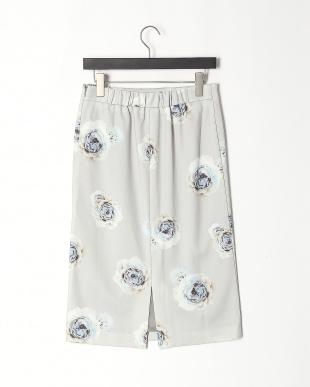 93/無彩色D(ライトグレー) ローズプリント セミタイトスカートを見る