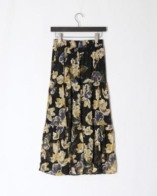 クロ系 ティアード花柄スカートを見る