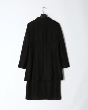 ブラック 「Yukiko Kimijima」東京ソワール ブラックフォーマル ロングジャケット&セパレート風ワンピース 2点セットを見る