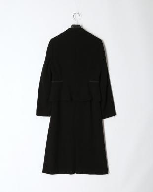 ブラック 「Yukiko Kimijima」東京ソワール ブラックフォーマル テーラードカラ―&ノーカラージャケット&タックデザインワンピース 3点セットを見る