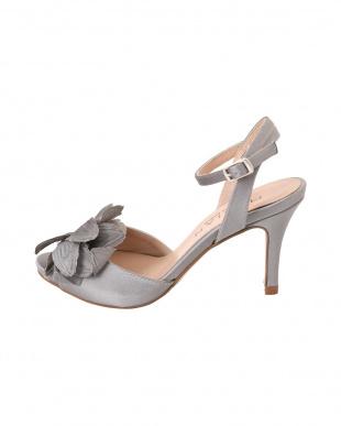 グレー [MARIAN]03-flower corsage sandalsを見る