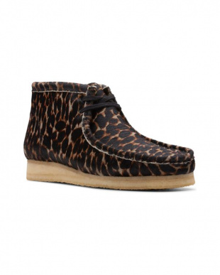 Black Animal Print Wallabee Bootを見る