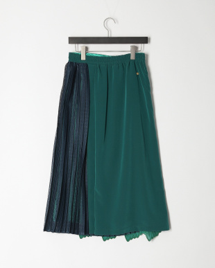 green リーフ刺繍プリーツスカートを見る
