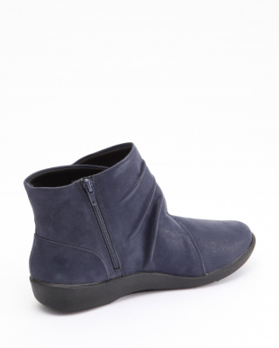 Navy Synthetic Nubuck Sillian Tanaを見る