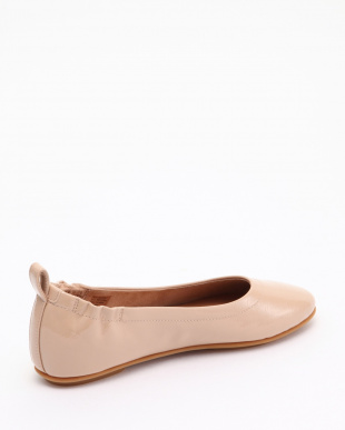 Taupe ALLEGRO CRINKLE PATENT BALLERINAS (Taupe)を見る