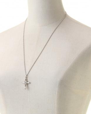シルバー/クリスタル クリスタルクロス シルバーチェーンネックレスを見る