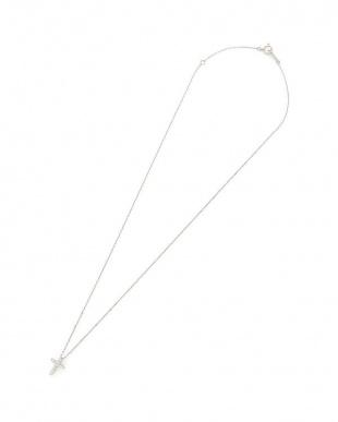 プラチナ ダイヤモンド クロスモチーフ ネックレスを見る
