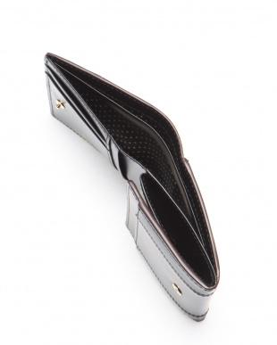 ブラック ジゼル 二つ折り財布を見る