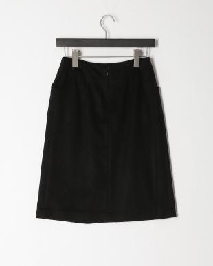 ブラック シルクカシミヤセミタイトスカートを見る
