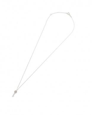 ホワイトゴールド K18WG ダイヤモンド キーモチーフ ネックレスを見る