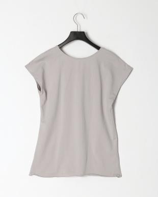 GRAY Tシャツを見る