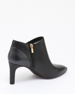 BLACK Total Motion Valerie Luxe V Bootieを見る