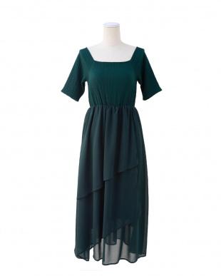GREEN シャーリングティアードドレス/ワンピースを見る